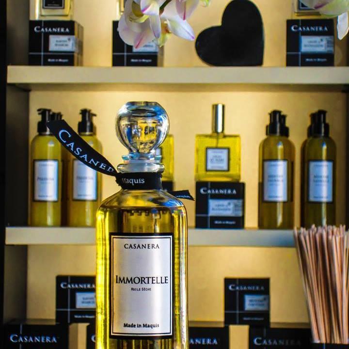 Casanera à Aix en Provence une boutique de bijoux bougies et parfum d'ambiance
